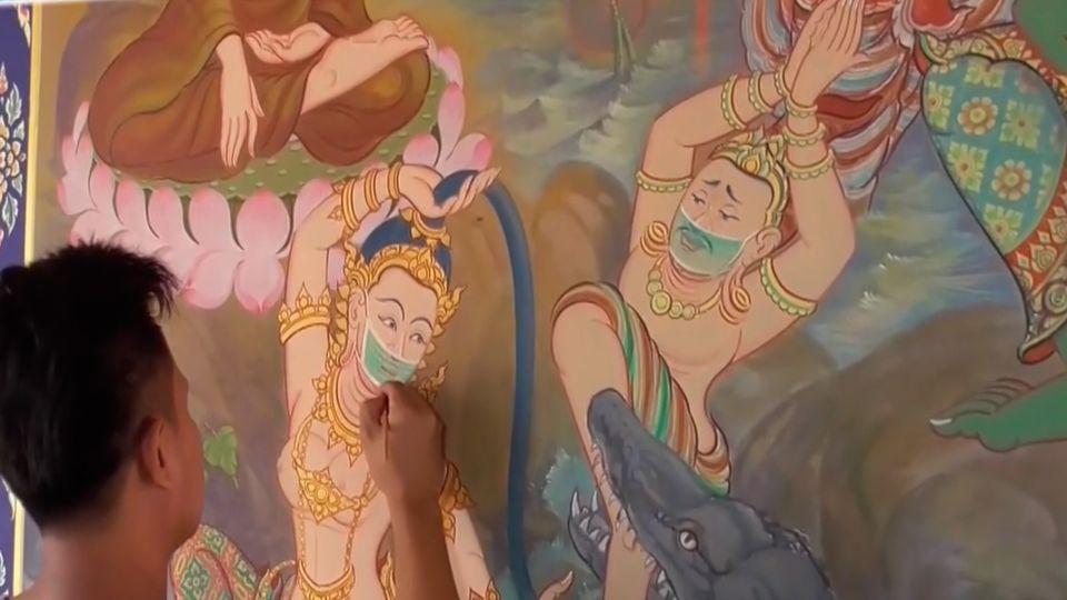 วัดดังอ่างทองวาดจิตรกรรมฝาผนัง เทวดา-นางฟ้าใส่หน้ากากอนามัย บันทึกเหตุการณ์ยุคโควิด-19