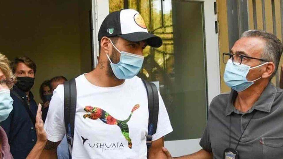 ตำรวจสงสัย หลุยส์ ซัวเรส โกงข้อสอบภาษาอิตาลี ยูเวนตุส รีบถอนดีลหันหา โมราต้า