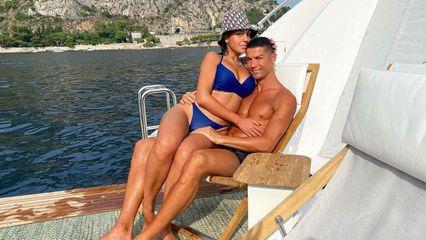 โรนัลโด้ ควง จอร์จิน่า ล่องเรือยอร์ชสุดสวีท แฟนคลับแห่กดไลค์ชุดว่ายน้ำกันรัวๆ
