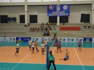 ม.กรุงเทพ -จุฬา ประเดิมชนะ วอลเลย์บอลแชมป์กีฬา 7 สี  2016 คัดเลือกวันแรก